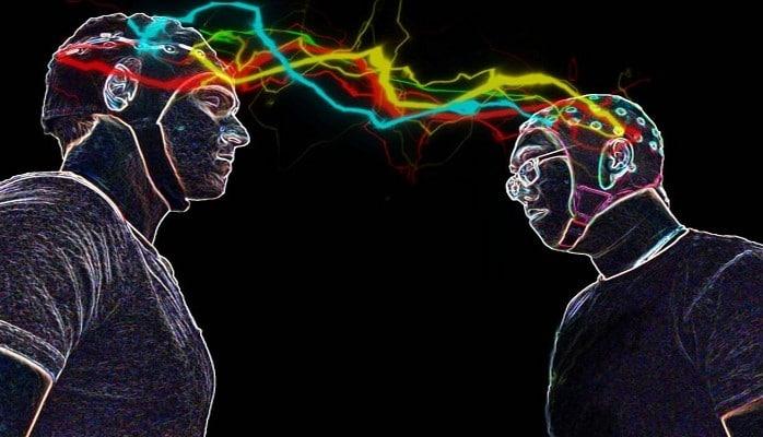 Ученые впервые соединили три мозга для обмена мыслями