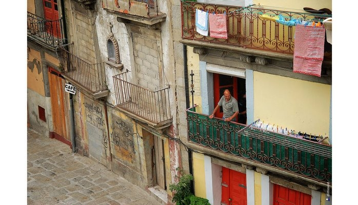 Жители Лиссабона протестуют против сдачи квартир в центре туристам