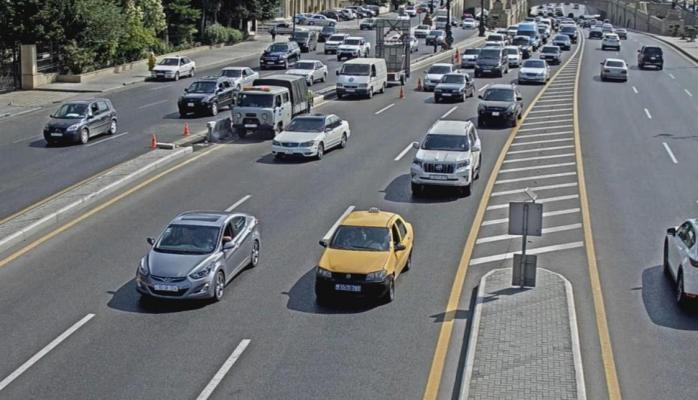 На проспекте Гейдара Алиева в Баку ограничено движение