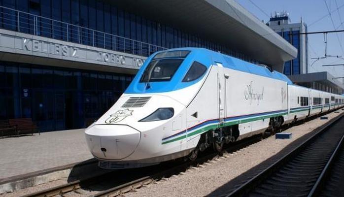 В Узбекистане представлены современные вагоны для туристов