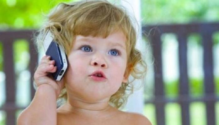 Uşaqların gec dil açmasının səbəbləri