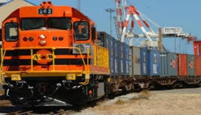 Из Баку в Европу отправляется первый прямой контейнерный поезд по Баку-Тбилиси-Карс
