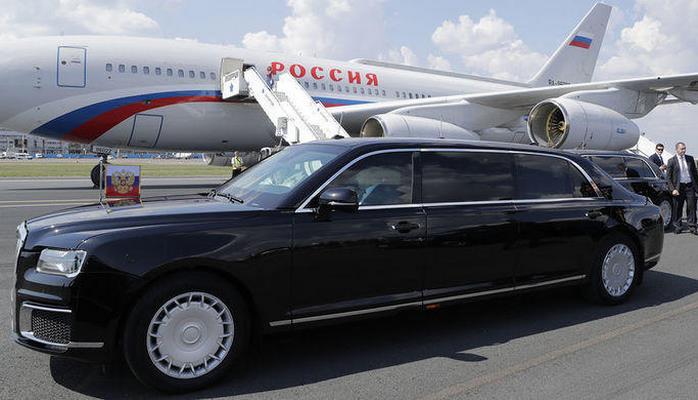 Putinin limuzininin içərisi görüntüləndi