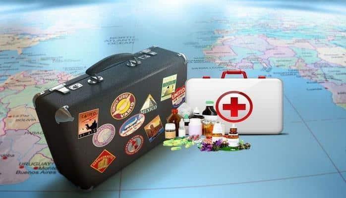 Медики назвали необходимые во время путешествия лекарства