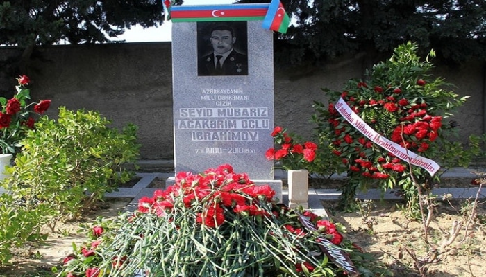 Mübariz İbrahimovun məzarı ziyarət olundu