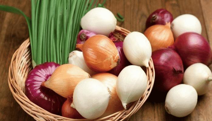 Türkiyədə soğanın qiyməti bahalaşıb