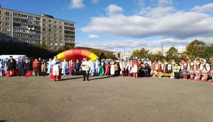 Творческий коллектив азербайджанской диаспоры Мурманска принял участие в фестивале «Перекресток культур»