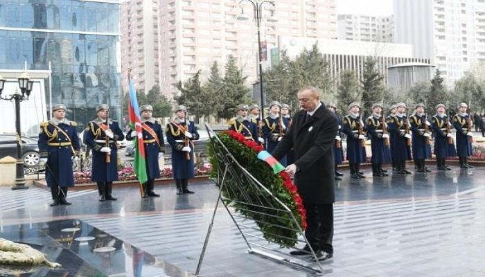 Ильхам Алиев посетил памятник жертвам Ходжалы