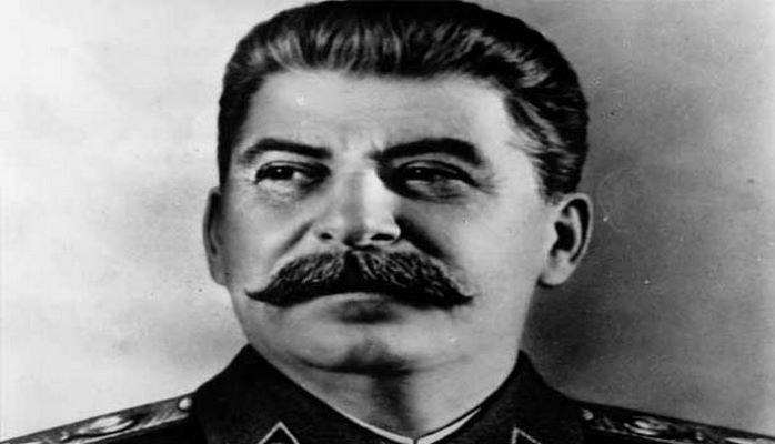 Stalinin ölümündən sonrakı maskası hərracda satıldı