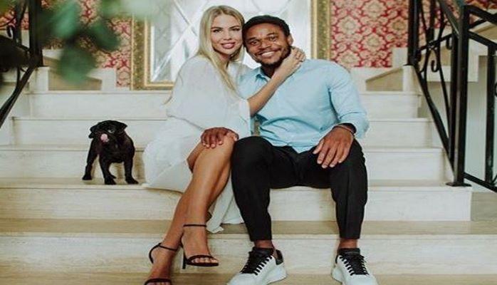 Бразильский футболист женился на российской модели