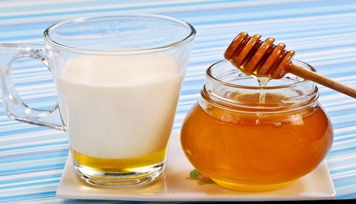 В чем опасность молока с медом