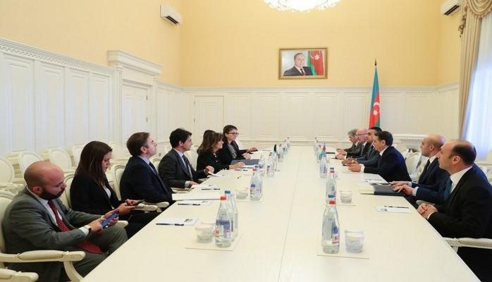 Новруз Мамедов встретился с председателем Сената Италии