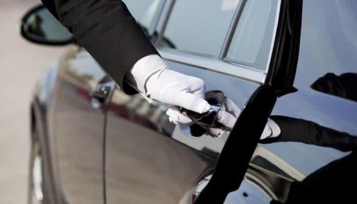 Deputatların xidməti avtomobilləri satışa çıxarılır?