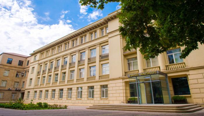 В связи с 'Формулой 1' учебный процесс в ряде школ Баку приостановлен