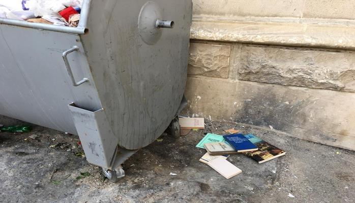 Книге не место на помойке: куда в Баку можно сдать литературу?