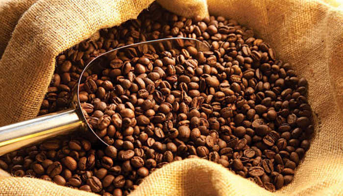Врачи рассказали, кому вредно пить кофе