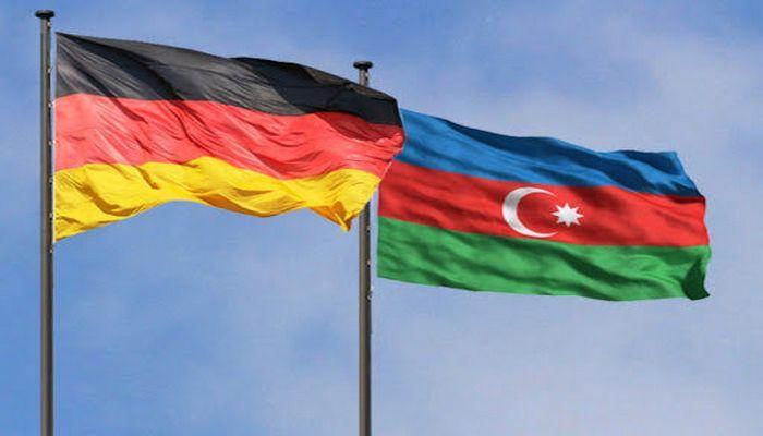 """Almaniya səfiri: """"Respublika günün mübarək, Azərbaycan!"""""""