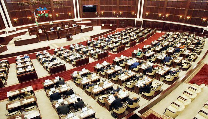 В парламенте проходит последнее в этом году заседание