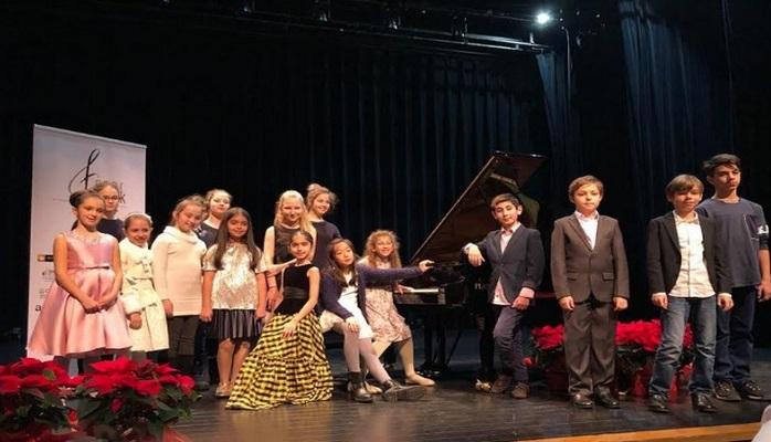 Azərbaycanlı qız dünyaca məşhur piano müsabiqəsində qalib oldu