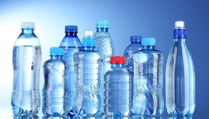 Вот чем опасна вода из пластиковых бутылок