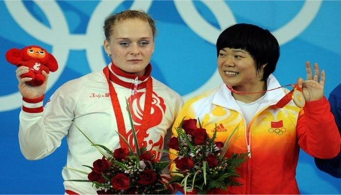 Российская тяжелоатлетка Оксана Сливенко получила золотую медаль Олимпиады-2008м