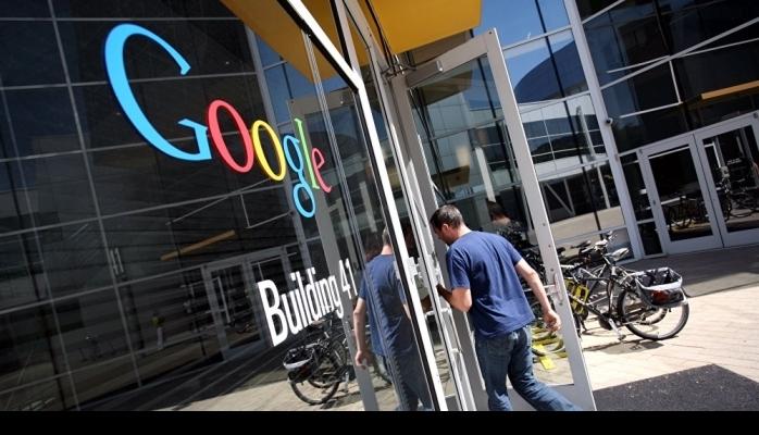 Google və Facebook məlumatlarla manipulyasiya edir