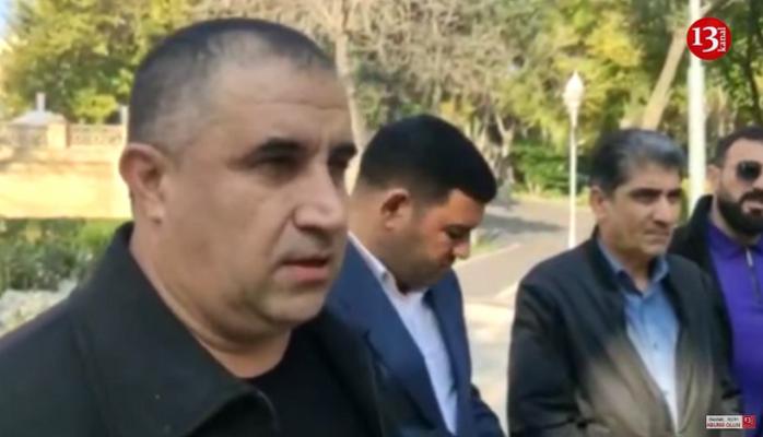 """""""Vaqif Əliyev və qohumları işi""""ndə zərərçəkənlər PA-nın qarşısına toplaşdılar"""