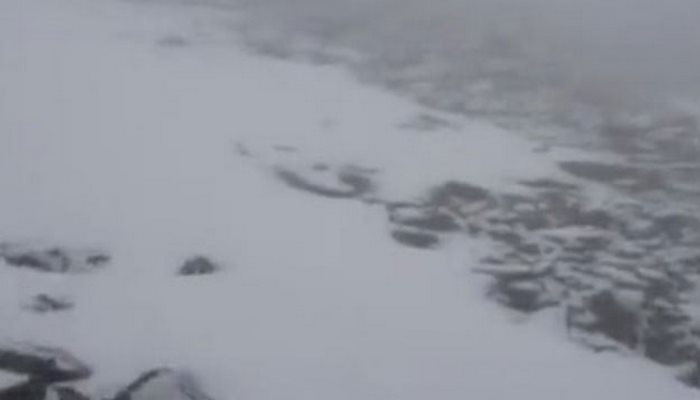 Türkiye'de görülmemiş olay! Haziran'ın son gününde kar yağdı