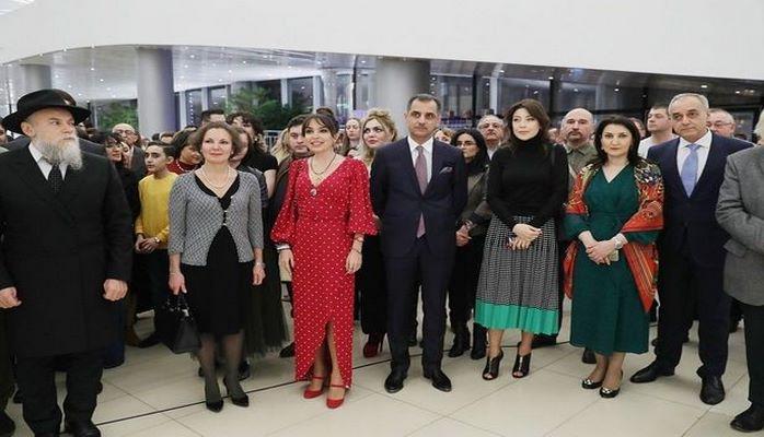 Rus avanqard rəssamların nadir əsərləri Bakıda