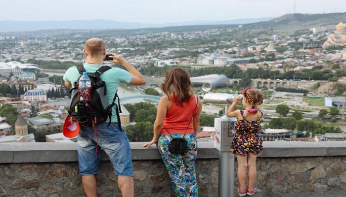 Грузия может начать требовать медицинскую справку у туристов