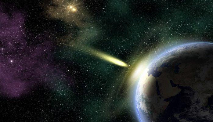 К Земле стремительно приближается комета в форме человеческого черепа