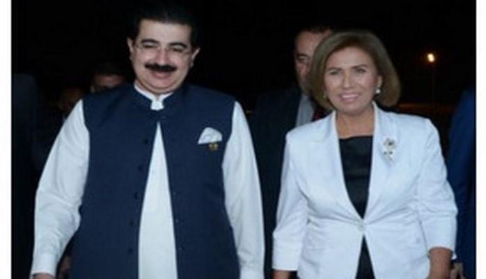 Председатель Сената Пакистана прибыл с визитом в Азербайджан