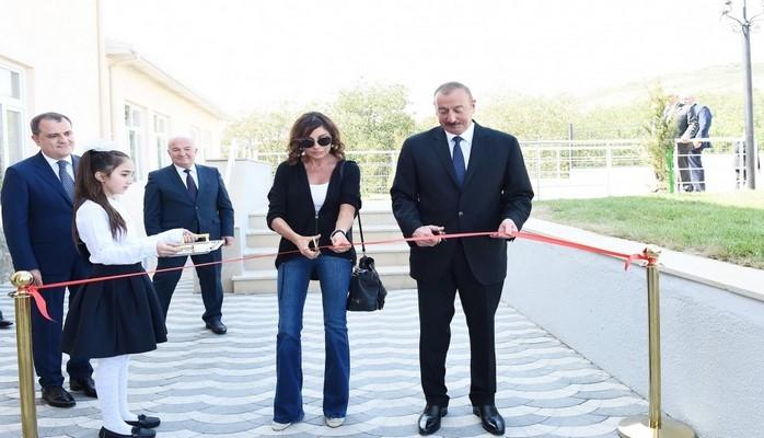Prezident İlham Əliyev Şamaxı rayonunda Meysəri kənd tam orta məktəbinin yeni binasının açılışında iştirak edib