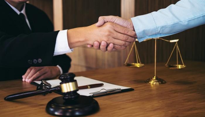 В Академии юстиции оказывают бесплатную юридическую помощь