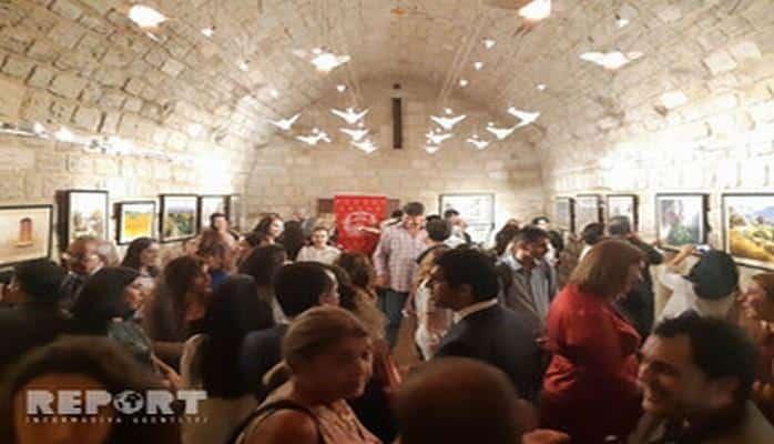 В Баку впервые показали работы художников из Перу