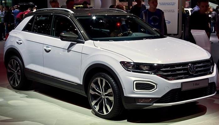 Компактный кроссовер Volkswagen T-Roc получил обновление