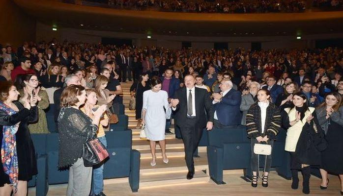 Мехрибан Алиева разместила публикации, посвященные творческому вечеру Максима Галкина -