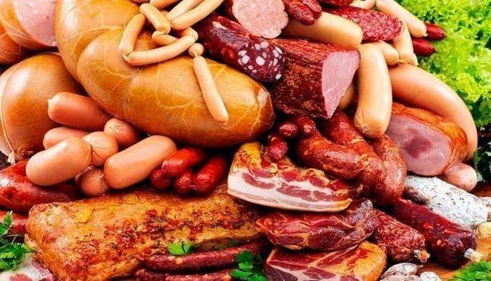 В сети супермаркетов прокомментировали информацию о свиной коже в колбасе