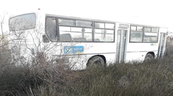 Авария автобуса в Баку - полиция назвала имена пострадавших