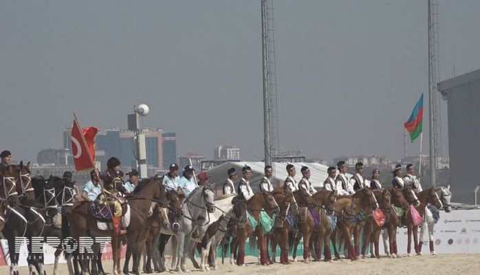 Azerbaycan süvarileri Karabağ atları ile Türkiye`de
