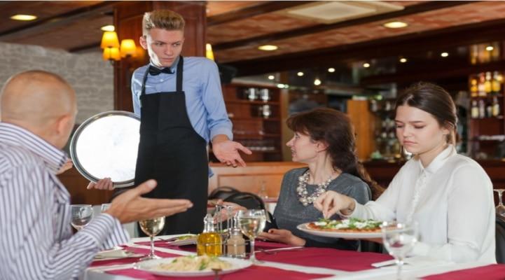 Hansı kafe-restoranlarda yemək yeyək? - Diqqətli olun!
