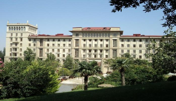 Глава пресс-службы Кабмина Азербайджана освобожден от занимаемой должности