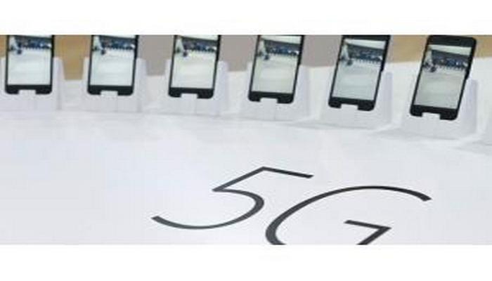 """""""Huawei"""" şirkəti 600 dollar məbləğində """"5G"""" smartfon istehsal edəcəyinə söz verir"""