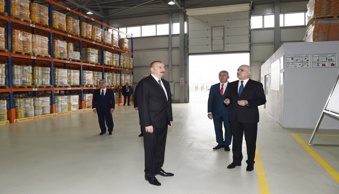 Prezident Sumqayıt Kimya Sənaye Parkında inşaat kimyəviləri zavodunun açılışında iştirak edib