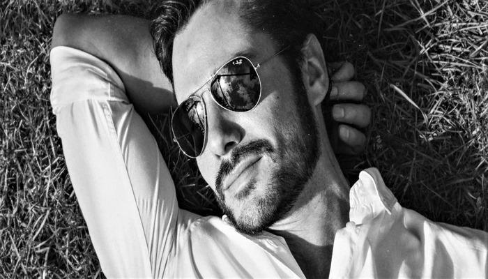 5 топовых брендов создающих лучшие мужские солнцезащитные очки.