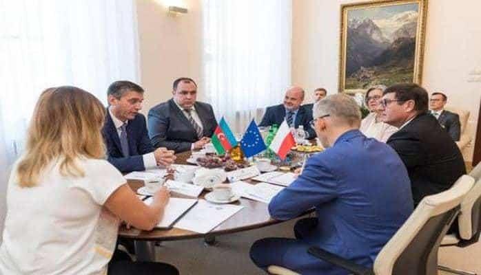 Счетные палаты Азербайджана и Польши подписали соглашение о сотрудничестве