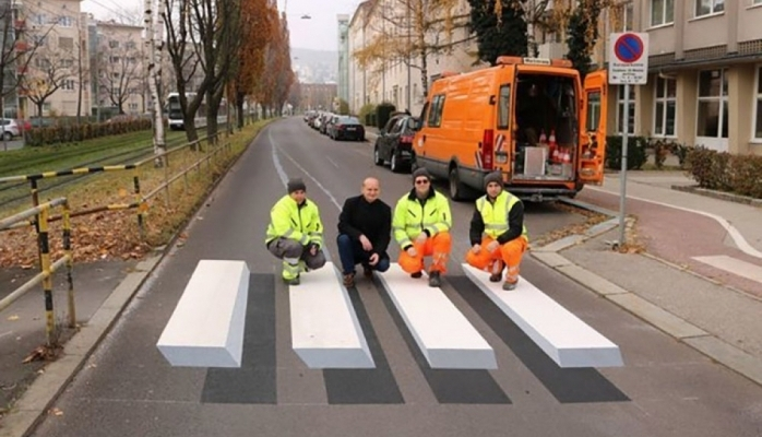 Avstriyada ilk 3D piyada zolağı istifadəyə verilib