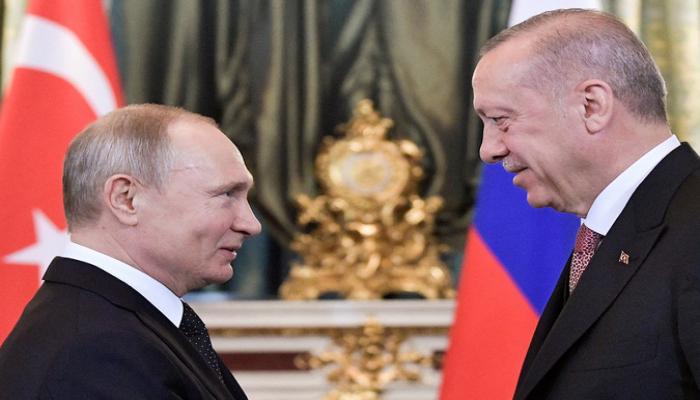 Путин и Эрдоган провели беседу 'на ногах'