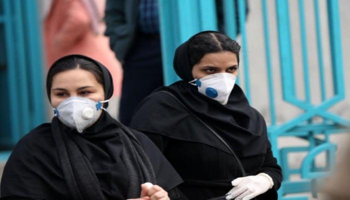 Иран заявил о неспособности взять коронавирус под контроль