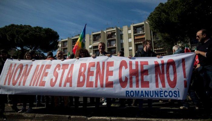 İtalya'da neo-faşistlere karşı çıkan 15 yaşındaki çocuk fenomen oldu
